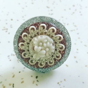 Vintage 1960's floral cab sparkle cocktail ring